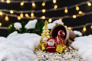 fundo de feliz natal com objetos em miniatura