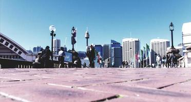 sydney, austrália, 2020- pessoas caminhando na cidade
