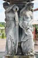 estátua de anjo da guarda esculpida e escultura em estilo europeu