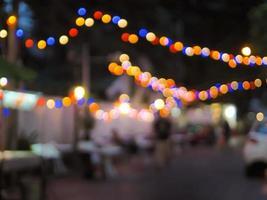 imagem borrada abstrata do festival noturno