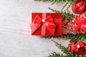 caixa de presente vermelha de natal foto
