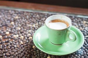 xícara de café verde foto