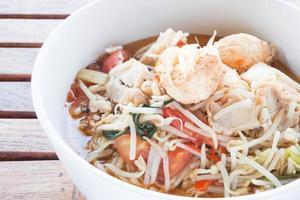 close-up de sopa de camarão