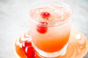 coquetel de cereja gelada foto