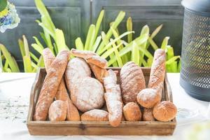 fileiras de pão fresco