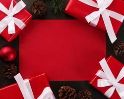 maquete de cartão vermelho em branco