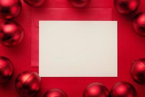 cartão e envelope de feliz natal foto