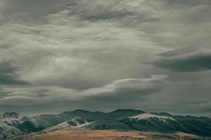 fotografia de paisagem de montanha foto