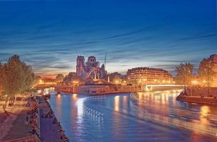 longa exposição das luzes da cidade à noite