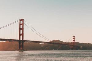 ponte golden gate ao pôr do sol foto