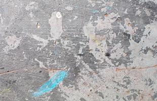 respingos de tinta na parede de concreto