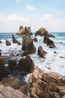 pedras no mar