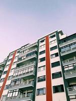 prédio de apartamentos moderno