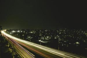 longa exposição da rodovia