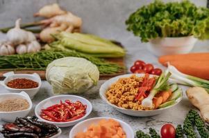 frango crocante e vegetais
