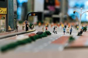 pequena mudança de inclinação paisagem de pessoas da cidade