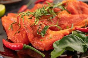 porco marinado com pimenta foto