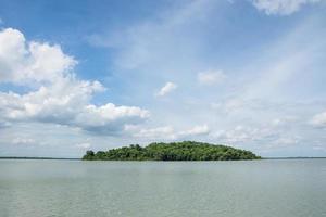 lago e ilha, paisagem foto