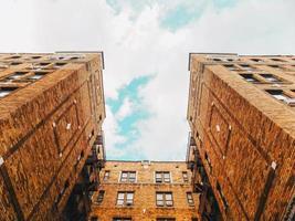 brooklyn, ny, 2020 - ângulo baixo de um edifício alto