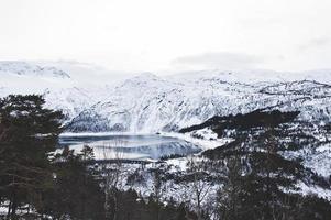 lago de inverno noruega