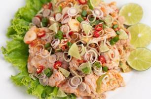 close-up de salada de porco