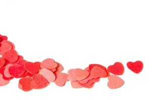 pilha de corações de papel vermelho