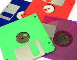 disquetes em um fundo branco foto