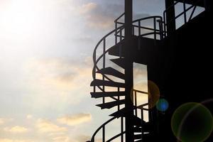 escada em espiral de ferro