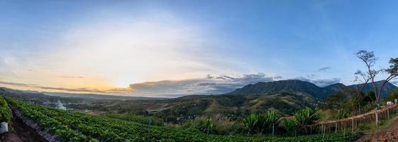 paisagem na montanha khao kho