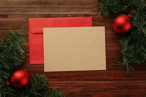 modelo de cartão de natal de papel kraft