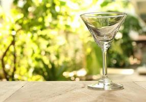 copo de martini vazio foto
