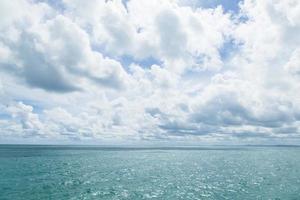 mar e céu foto