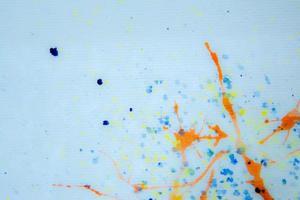 respingos de tinta colorida