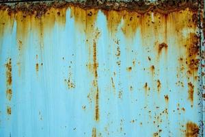 portão de ferro velho com ferrugem