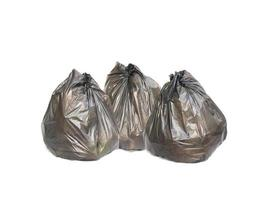 três sacos de lixo