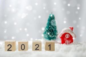 feliz ano novo cenário de neve de inverno de 2021 foto