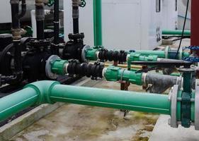 sistema de tubulação de água verde