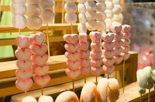 doces de marshmallow em forma de coração