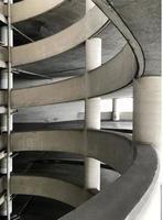 espiral de garagem de estacionamento foto