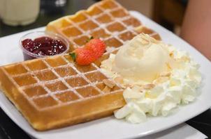 waffles com chantilly foto