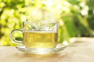 chá verde lá fora