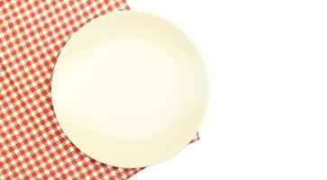 prato e toalha de mesa foto