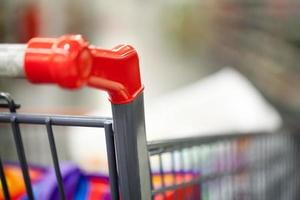 close-up do carrinho de compras foto