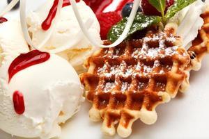 waffles e sorvete