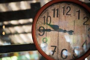 velho relógio retro foto