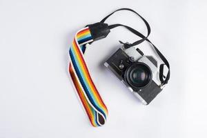 câmera vintage isolada em fundo branco foto