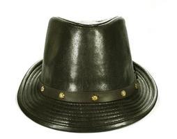 chapéu fedora isolado no fundo branco