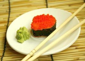 fila de sushi foto
