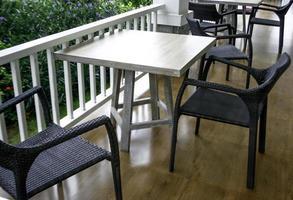 móveis de jantar ao ar livre