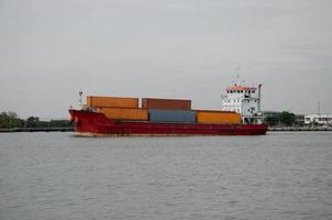 navio de carga contêiner foto